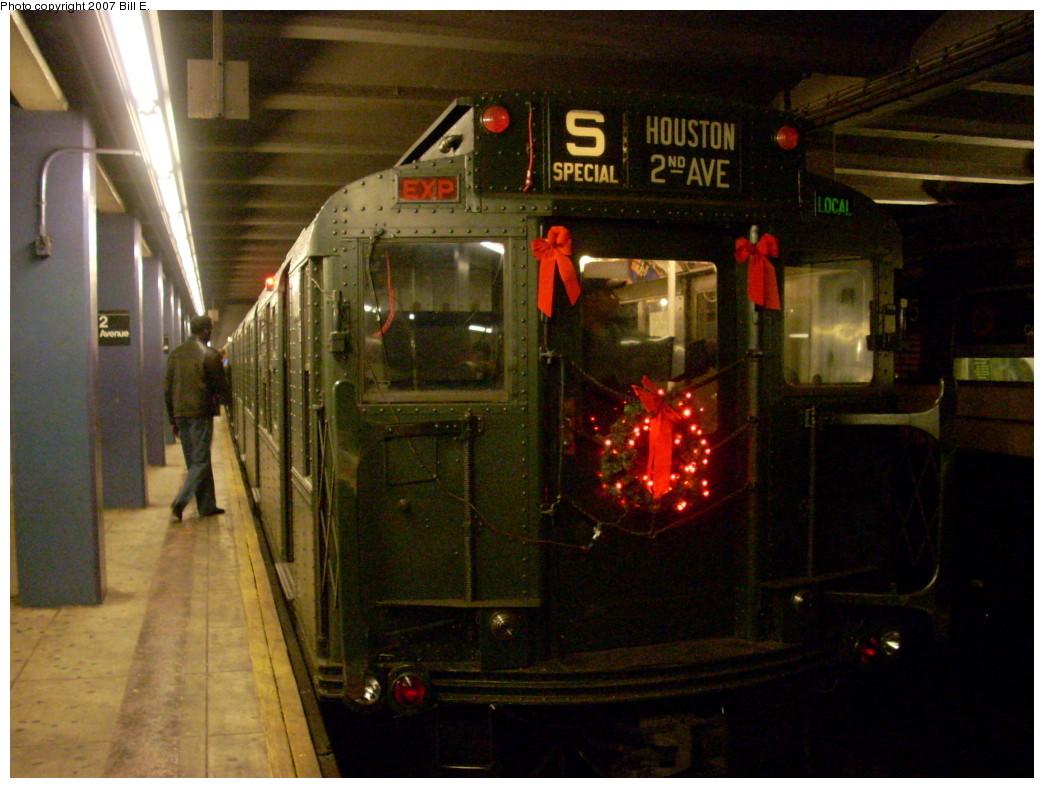 (242k, 1044x788)<br><b>Country:</b> United States<br><b>City:</b> New York<br><b>System:</b> New York City Transit<br><b>Line:</b> IND 6th Avenue Line<br><b>Location:</b> 2nd Avenue<br><b>Route:</b> Museum Train Service (V)<br><b>Car:</b> R-1 (American Car & Foundry, 1930-1931) 100 <br><b>Photo by:</b> Bill E.<br><b>Date:</b> 12/2/2007<br><b>Notes:</b> Train in regular passenger service for the holidays - not technically a fan trip.<br><b>Viewed (this week/total):</b> 1 / 2196