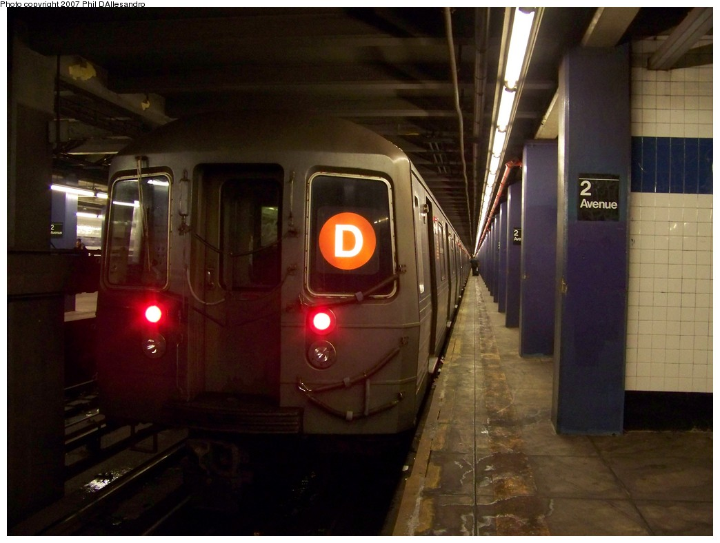 (173k, 1044x788)<br><b>Country:</b> United States<br><b>City:</b> New York<br><b>System:</b> New York City Transit<br><b>Line:</b> IND 6th Avenue Line<br><b>Location:</b> 2nd Avenue<br><b>Route:</b> D<br><b>Car:</b> R-68 (Westinghouse-Amrail, 1986-1988) 2778 <br><b>Photo by:</b> Philip D'Allesandro<br><b>Date:</b> 12/2/2007<br><b>Viewed (this week/total):</b> 2 / 2556