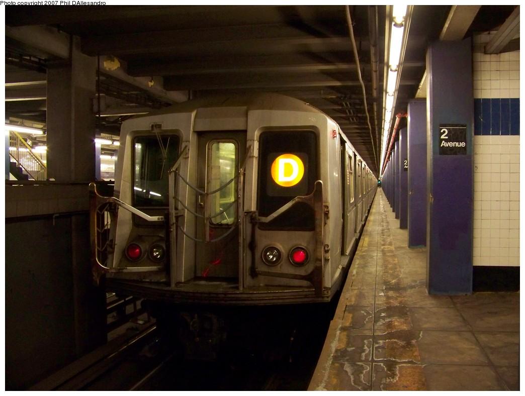 (185k, 1044x788)<br><b>Country:</b> United States<br><b>City:</b> New York<br><b>System:</b> New York City Transit<br><b>Line:</b> IND 6th Avenue Line<br><b>Location:</b> 2nd Avenue<br><b>Route:</b> D<br><b>Car:</b> R-40 (St. Louis, 1968) 4211 <br><b>Photo by:</b> Philip D'Allesandro<br><b>Date:</b> 12/2/2007<br><b>Viewed (this week/total):</b> 0 / 9729