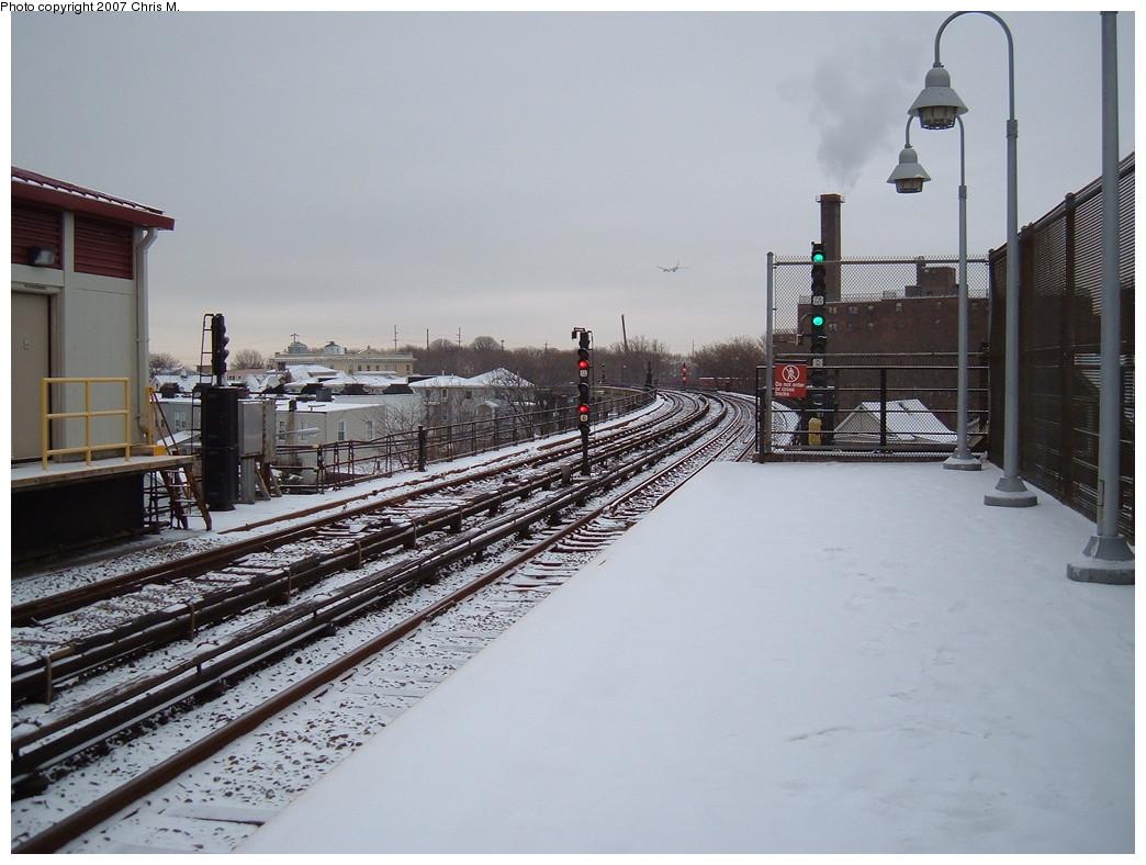 (210k, 1044x788)<br><b>Country:</b> United States<br><b>City:</b> New York<br><b>System:</b> New York City Transit<br><b>Line:</b> IND Rockaway Line<br><b>Location:</b> Beach 90th Street/Holland<br><b>Photo by:</b> Chris M.<br><b>Date:</b> 12/2/2007<br><b>Viewed (this week/total):</b> 3 / 1562