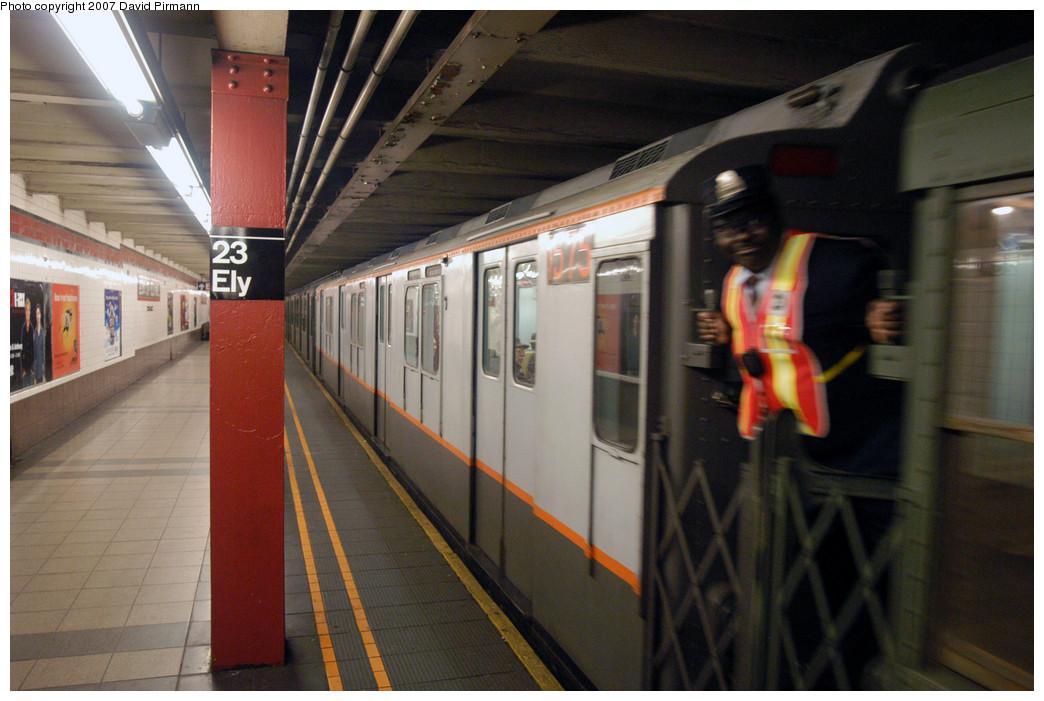 (256k, 1044x701)<br><b>Country:</b> United States<br><b>City:</b> New York<br><b>System:</b> New York City Transit<br><b>Line:</b> IND Queens Boulevard Line<br><b>Location:</b> Court Square/23rd St (Ely Avenue)<br><b>Route:</b> Museum Train Service (V)<br><b>Car:</b> R-7A (Pullman, 1938) 1575 <br><b>Photo by:</b> David Pirmann<br><b>Date:</b> 12/9/2007<br><b>Notes:</b> Train in regular Nostalgia Train service, not technically a fan trip.<br><b>Viewed (this week/total):</b> 1 / 2683