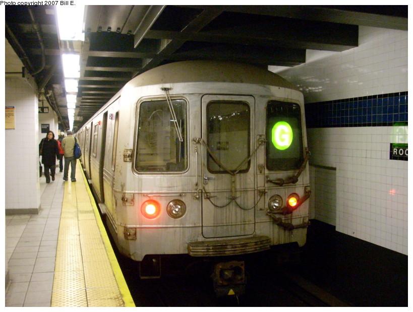 (167k, 819x619)<br><b>Country:</b> United States<br><b>City:</b> New York<br><b>System:</b> New York City Transit<br><b>Line:</b> IND Queens Boulevard Line<br><b>Location:</b> Roosevelt Avenue<br><b>Route:</b> G<br><b>Car:</b> R-46 (Pullman-Standard, 1974-75)  <br><b>Photo by:</b> Bill E.<br><b>Date:</b> 12/9/2007<br><b>Viewed (this week/total):</b> 1 / 2746