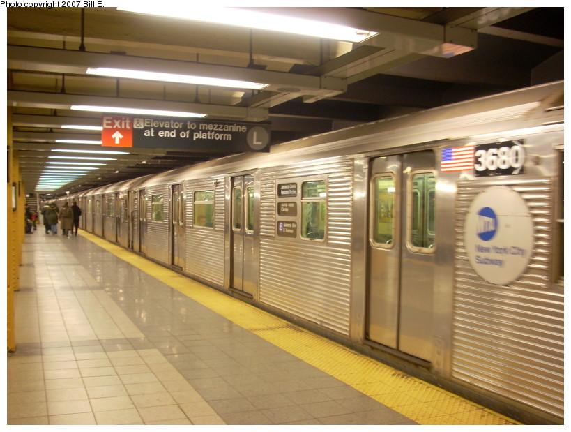 (168k, 819x619)<br><b>Country:</b> United States<br><b>City:</b> New York<br><b>System:</b> New York City Transit<br><b>Line:</b> IND 8th Avenue Line<br><b>Location:</b> 14th Street<br><b>Route:</b> E<br><b>Car:</b> R-32 (Budd, 1964) 3680 <br><b>Photo by:</b> Bill E.<br><b>Date:</b> 12/9/2007<br><b>Viewed (this week/total):</b> 0 / 3088