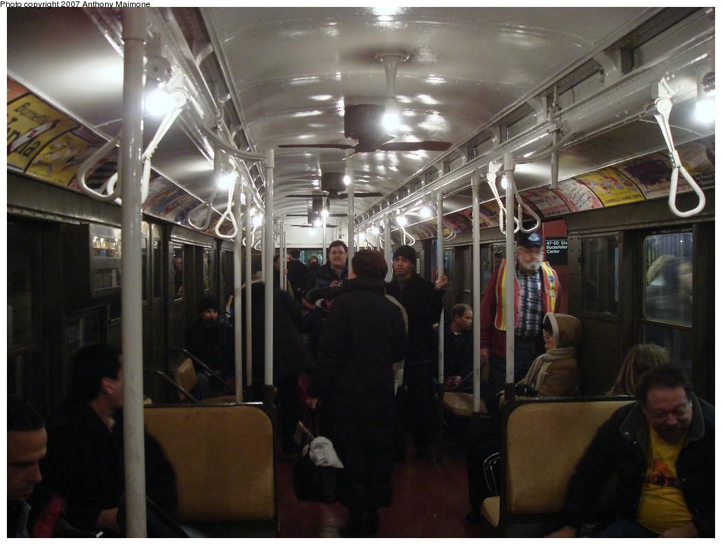 (188k, 1044x788)<br><b>Country:</b> United States<br><b>City:</b> New York<br><b>System:</b> New York City Transit<br><b>Route:</b> Museum Train Service (V)<br><b>Car:</b> R-1 (American Car & Foundry, 1930-1931) 381 <br><b>Photo by:</b> Anthony Maimone<br><b>Date:</b> 12/9/2007<br><b>Notes:</b> Train in regular Nostalgia Train service, not technically a fan trip.<br><b>Viewed (this week/total):</b> 1 / 1901