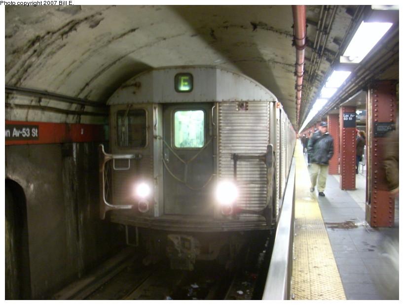 (147k, 819x619)<br><b>Country:</b> United States<br><b>City:</b> New York<br><b>System:</b> New York City Transit<br><b>Line:</b> IND Queens Boulevard Line<br><b>Location:</b> Lexington Avenue-53rd Street<br><b>Route:</b> E<br><b>Car:</b> R-32 (Budd, 1964)  <br><b>Photo by:</b> Bill E.<br><b>Date:</b> 12/16/2007<br><b>Viewed (this week/total):</b> 3 / 3070