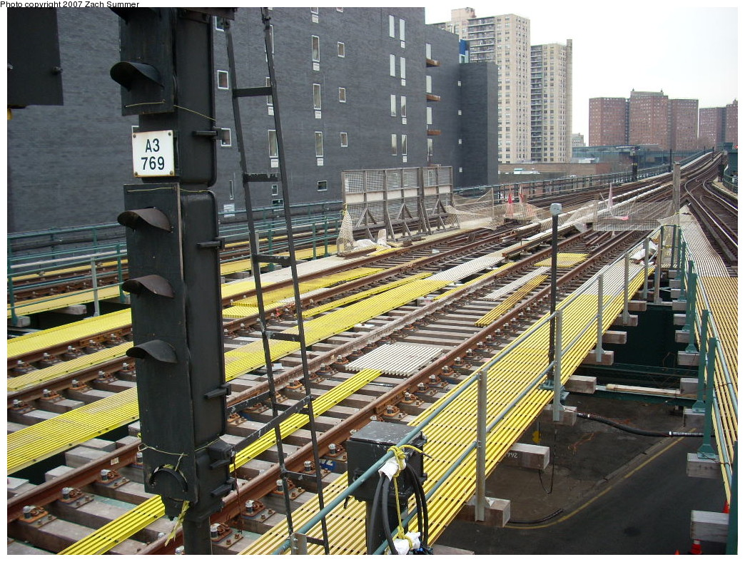 (349k, 1044x788)<br><b>Country:</b> United States<br><b>City:</b> New York<br><b>System:</b> New York City Transit<br><b>Line:</b> BMT Brighton Line<br><b>Location:</b> Ocean Parkway<br><b>Photo by:</b> Zach Summer<br><b>Date:</b> 12/9/2007<br><b>Notes:</b> Station/track reconstruction.<br><b>Viewed (this week/total):</b> 0 / 1791
