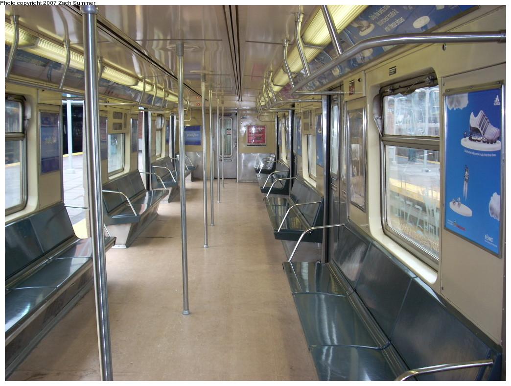 (258k, 1044x788)<br><b>Country:</b> United States<br><b>City:</b> New York<br><b>System:</b> New York City Transit<br><b>Route:</b> Q<br><b>Car:</b> R-40 (St. Louis, 1968) 4262 <br><b>Photo by:</b> Zach Summer<br><b>Date:</b> 12/9/2007<br><b>Viewed (this week/total):</b> 3 / 1971