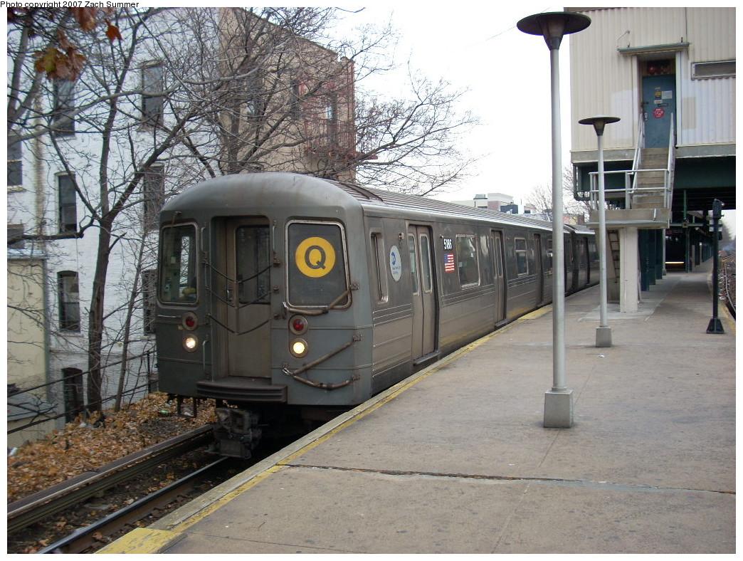 (306k, 1044x788)<br><b>Country:</b> United States<br><b>City:</b> New York<br><b>System:</b> New York City Transit<br><b>Line:</b> BMT Brighton Line<br><b>Location:</b> Kings Highway<br><b>Route:</b> Q<br><b>Car:</b> R-68A (Kawasaki, 1988-1989) 5186 <br><b>Photo by:</b> Zach Summer<br><b>Date:</b> 12/9/2007<br><b>Viewed (this week/total):</b> 0 / 2321