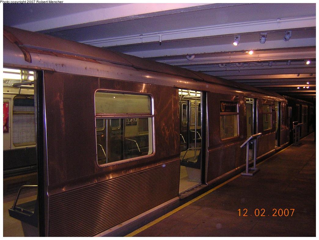 (282k, 1044x788)<br><b>Country:</b> United States<br><b>City:</b> New York<br><b>System:</b> New York City Transit<br><b>Location:</b> New York Transit Museum<br><b>Car:</b> R-40 (St. Louis, 1968) 4193 <br><b>Photo by:</b> Robert Mencher<br><b>Date:</b> 12/2/2007<br><b>Viewed (this week/total):</b> 2 / 3439