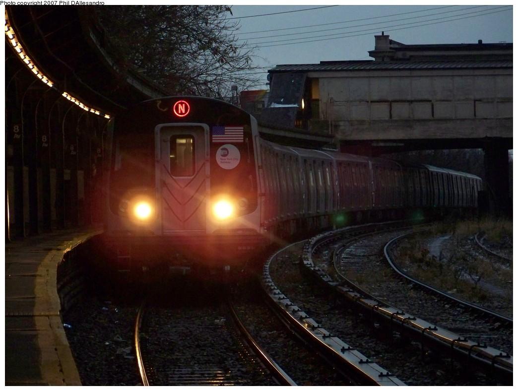 (197k, 1044x788)<br><b>Country:</b> United States<br><b>City:</b> New York<br><b>System:</b> New York City Transit<br><b>Line:</b> BMT Sea Beach Line<br><b>Location:</b> 8th Avenue<br><b>Route:</b> N<br><b>Car:</b> R-160B (Kawasaki, 2005-2008) 8823 <br><b>Photo by:</b> Philip D'Allesandro<br><b>Date:</b> 12/16/2007<br><b>Viewed (this week/total):</b> 4 / 3469