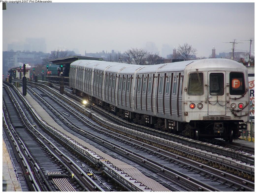 (286k, 1044x788)<br><b>Country:</b> United States<br><b>City:</b> New York<br><b>System:</b> New York City Transit<br><b>Line:</b> BMT Culver Line<br><b>Location:</b> Bay Parkway (22nd Avenue)<br><b>Route:</b> F<br><b>Car:</b> R-46 (Pullman-Standard, 1974-75) 5936 <br><b>Photo by:</b> Philip D'Allesandro<br><b>Date:</b> 12/16/2007<br><b>Viewed (this week/total):</b> 2 / 2265