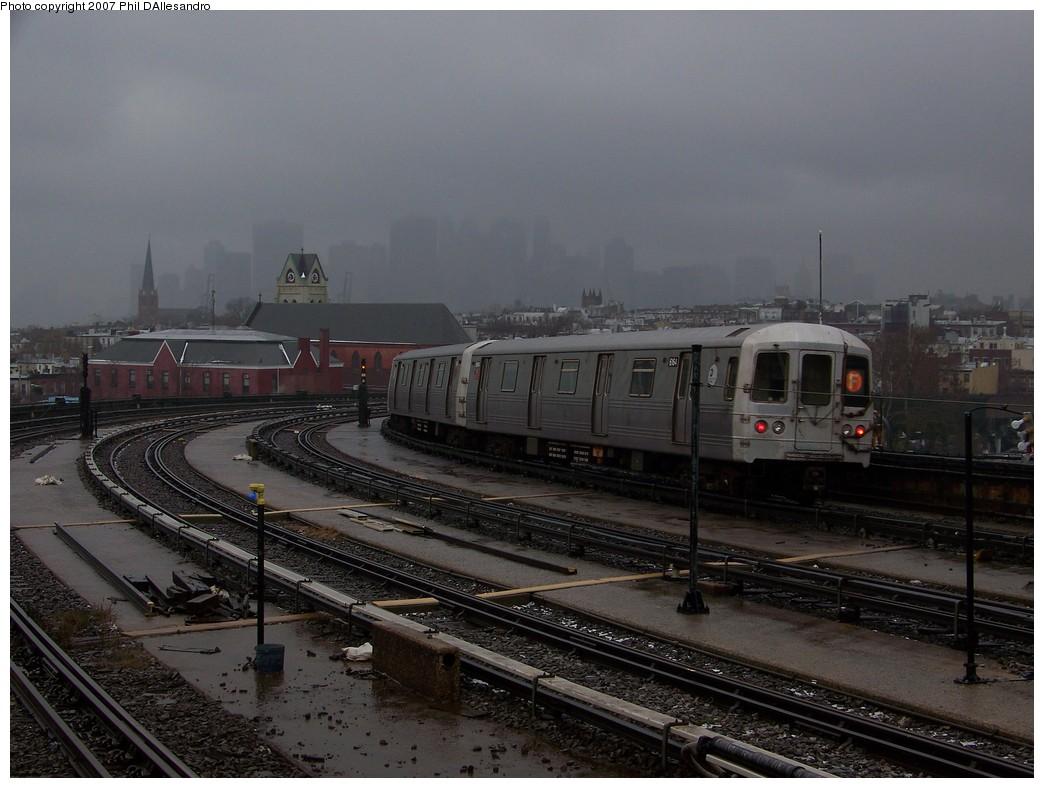 (198k, 1044x788)<br><b>Country:</b> United States<br><b>City:</b> New York<br><b>System:</b> New York City Transit<br><b>Line:</b> IND Crosstown Line<br><b>Location:</b> Smith/9th Street<br><b>Route:</b> F<br><b>Car:</b> R-46 (Pullman-Standard, 1974-75) 6164 <br><b>Photo by:</b> Philip D'Allesandro<br><b>Date:</b> 12/16/2007<br><b>Viewed (this week/total):</b> 3 / 2316