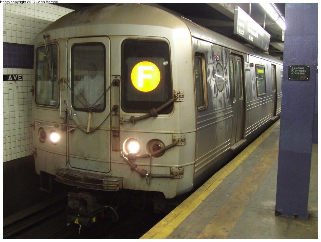 (196k, 1044x788)<br><b>Country:</b> United States<br><b>City:</b> New York<br><b>System:</b> New York City Transit<br><b>Line:</b> IND 6th Avenue Line<br><b>Location:</b> 2nd Avenue<br><b>Route:</b> F<br><b>Car:</b> R-46 (Pullman-Standard, 1974-75) 6038 <br><b>Photo by:</b> John Barnes<br><b>Date:</b> 12/16/2007<br><b>Viewed (this week/total):</b> 2 / 2679