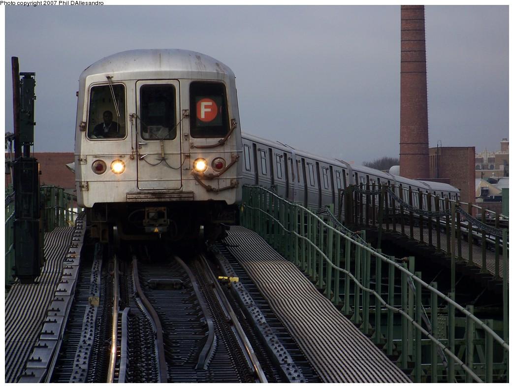 (222k, 1044x788)<br><b>Country:</b> United States<br><b>City:</b> New York<br><b>System:</b> New York City Transit<br><b>Line:</b> BMT Culver Line<br><b>Location:</b> Neptune Avenue<br><b>Route:</b> F<br><b>Car:</b> R-46 (Pullman-Standard, 1974-75) 5882 <br><b>Photo by:</b> Philip D'Allesandro<br><b>Date:</b> 12/16/2007<br><b>Viewed (this week/total):</b> 3 / 3210
