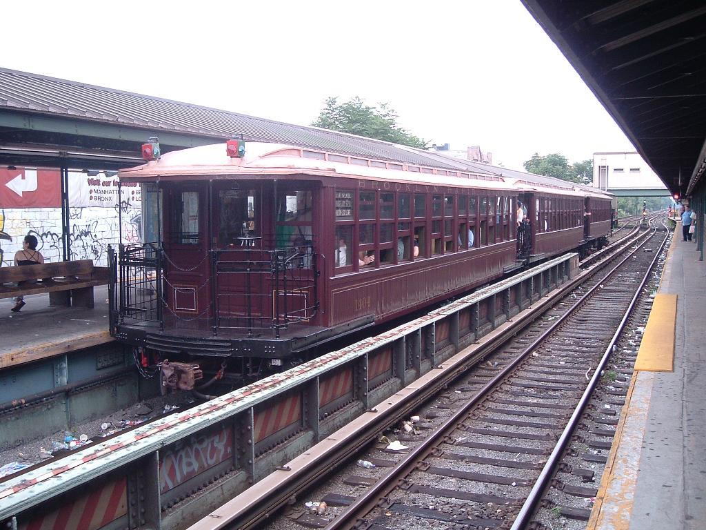 (163k, 1024x768)<br><b>Country:</b> United States<br><b>City:</b> New York<br><b>System:</b> New York City Transit<br><b>Line:</b> BMT Brighton Line<br><b>Location:</b> Kings Highway<br><b>Route:</b> Fan Trip<br><b>Car:</b> BMT Elevated Gate Car 1404 <br><b>Photo by:</b> Chris Reidy<br><b>Date:</b> 7/18/2004<br><b>Viewed (this week/total):</b> 1 / 1886