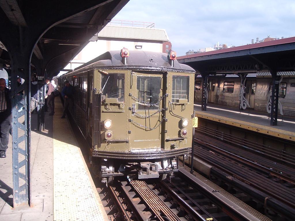 (144k, 1024x768)<br><b>Country:</b> United States<br><b>City:</b> New York<br><b>System:</b> New York City Transit<br><b>Line:</b> BMT Brighton Line<br><b>Location:</b> Brighton Beach<br><b>Route:</b> Fan Trip<br><b>Car:</b> Low-V (Museum Train) 5292 <br><b>Photo by:</b> Chris Reidy<br><b>Date:</b> 10/23/2004<br><b>Viewed (this week/total):</b> 5 / 1884