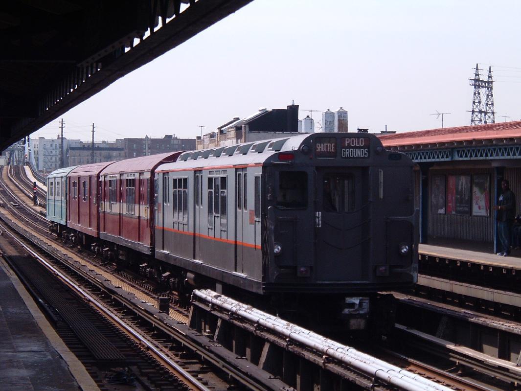 (114k, 1065x799)<br><b>Country:</b> United States<br><b>City:</b> New York<br><b>System:</b> New York City Transit<br><b>Line:</b> IRT Pelham Line<br><b>Location:</b> Elder Avenue<br><b>Route:</b> Fan Trip<br><b>Car:</b> R-12 (American Car & Foundry, 1948) 5760 <br><b>Photo by:</b> Chris Reidy<br><b>Date:</b> 4/17/2004<br><b>Viewed (this week/total):</b> 0 / 2149