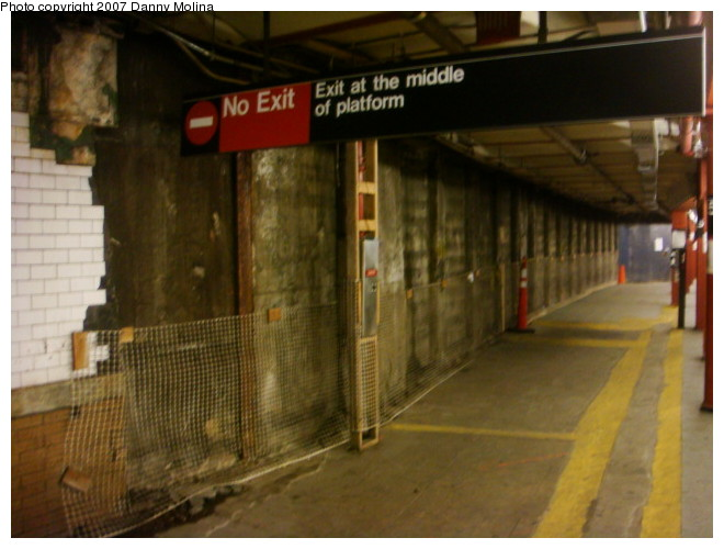 (93k, 660x500)<br><b>Country:</b> United States<br><b>City:</b> New York<br><b>System:</b> New York City Transit<br><b>Line:</b> IRT West Side Line<br><b>Location:</b> 59th Street/Columbus Circle<br><b>Photo by:</b> Danny Molina<br><b>Date:</b> 12/22/2007<br><b>Notes:</b> Station reconstruction.<br><b>Viewed (this week/total):</b> 3 / 2825