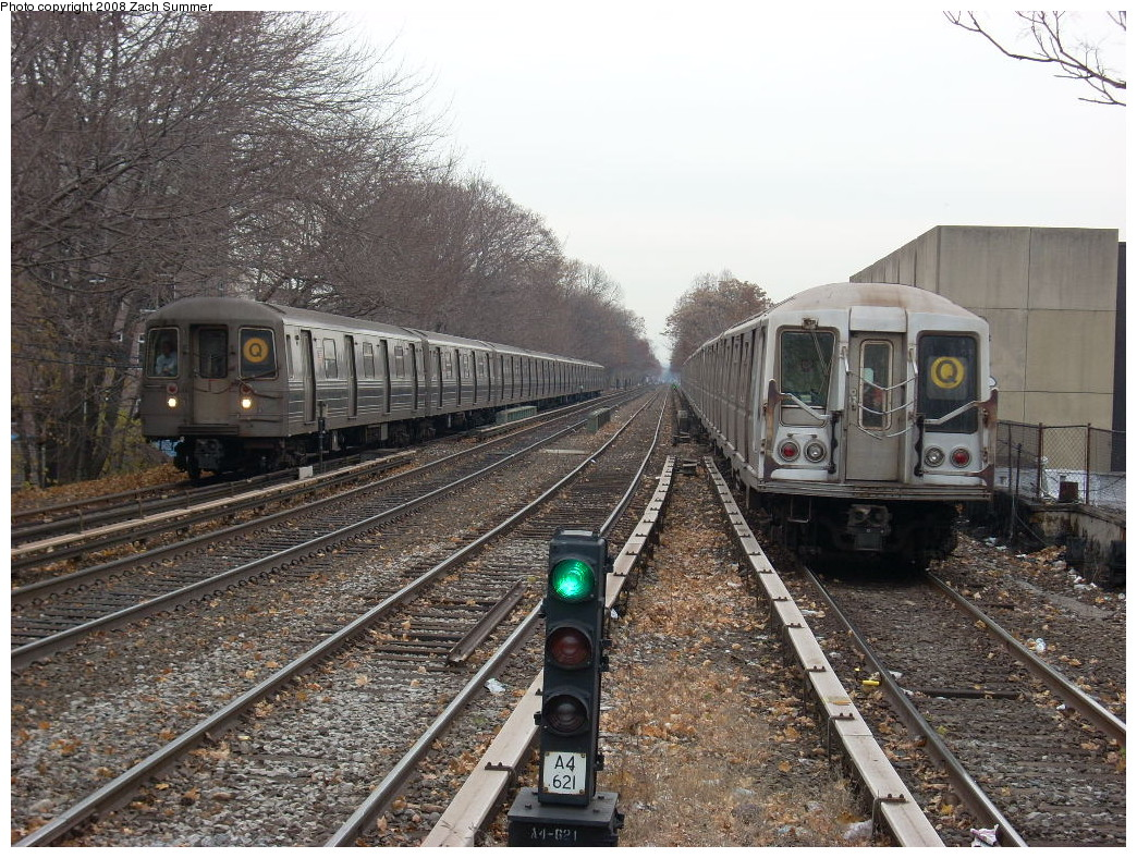(340k, 1044x788)<br><b>Country:</b> United States<br><b>City:</b> New York<br><b>System:</b> New York City Transit<br><b>Line:</b> BMT Brighton Line<br><b>Location:</b> Kings Highway<br><b>Route:</b> Q<br><b>Car:</b> R-68A (Kawasaki, 1988-1989)  <br><b>Photo by:</b> Zach Summer<br><b>Date:</b> 12/9/2007<br><b>Notes:</b> With R40 slant on Q.<br><b>Viewed (this week/total):</b> 1 / 2848