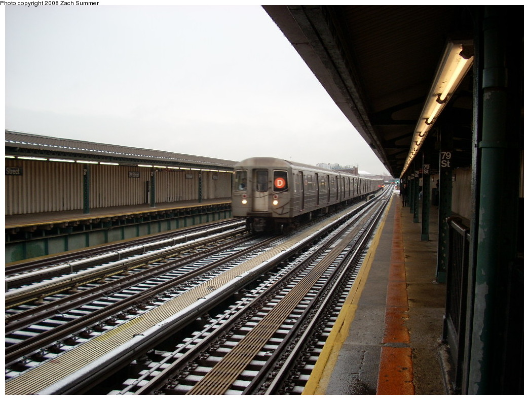 (267k, 1044x788)<br><b>Country:</b> United States<br><b>City:</b> New York<br><b>System:</b> New York City Transit<br><b>Line:</b> BMT West End Line<br><b>Location:</b> 79th Street<br><b>Route:</b> D<br><b>Car:</b> R-68/R-68A Series (Number Unknown)  <br><b>Photo by:</b> Zach Summer<br><b>Date:</b> 12/13/2007<br><b>Viewed (this week/total):</b> 2 / 2629