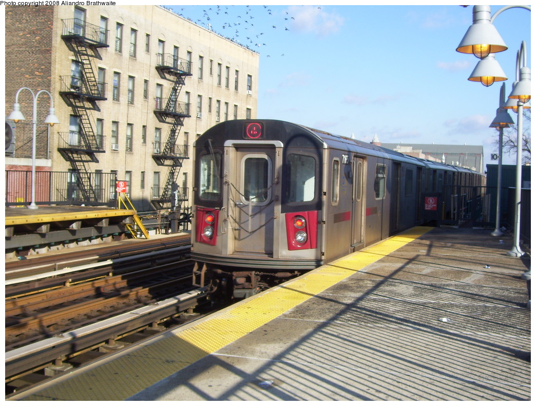 (285k, 1044x791)<br><b>Country:</b> United States<br><b>City:</b> New York<br><b>System:</b> New York City Transit<br><b>Line:</b> IRT Woodlawn Line<br><b>Location:</b> Fordham Road<br><b>Route:</b> 4<br><b>Car:</b> R-142 (Option Order, Bombardier, 2002-2003) 7165 <br><b>Photo by:</b> Aliandro Brathwaite<br><b>Date:</b> 12/31/2007<br><b>Viewed (this week/total):</b> 0 / 2667