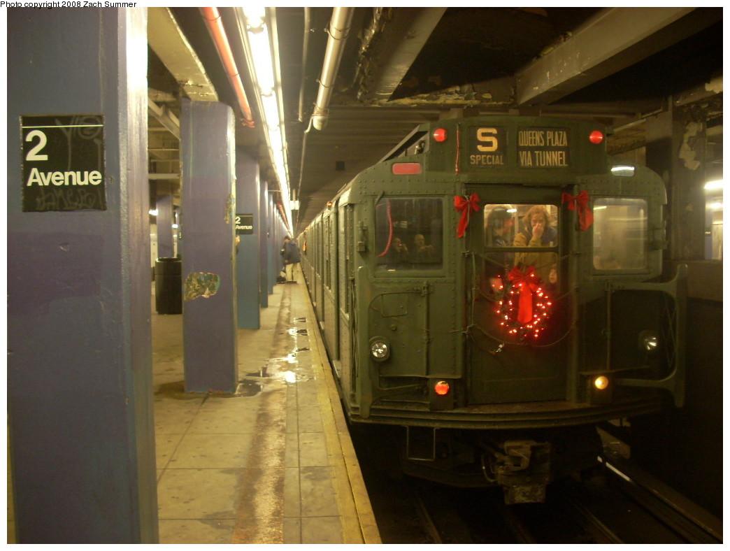 (213k, 1044x788)<br><b>Country:</b> United States<br><b>City:</b> New York<br><b>System:</b> New York City Transit<br><b>Line:</b> IND 6th Avenue Line<br><b>Location:</b> 2nd Avenue<br><b>Route:</b> Museum Train Service (V)<br><b>Car:</b> R-9 (Pressed Steel, 1940) 1802 <br><b>Photo by:</b> Zach Summer<br><b>Date:</b> 12/16/2007<br><b>Notes:</b> Nostalgia train service.<br><b>Viewed (this week/total):</b> 1 / 2528