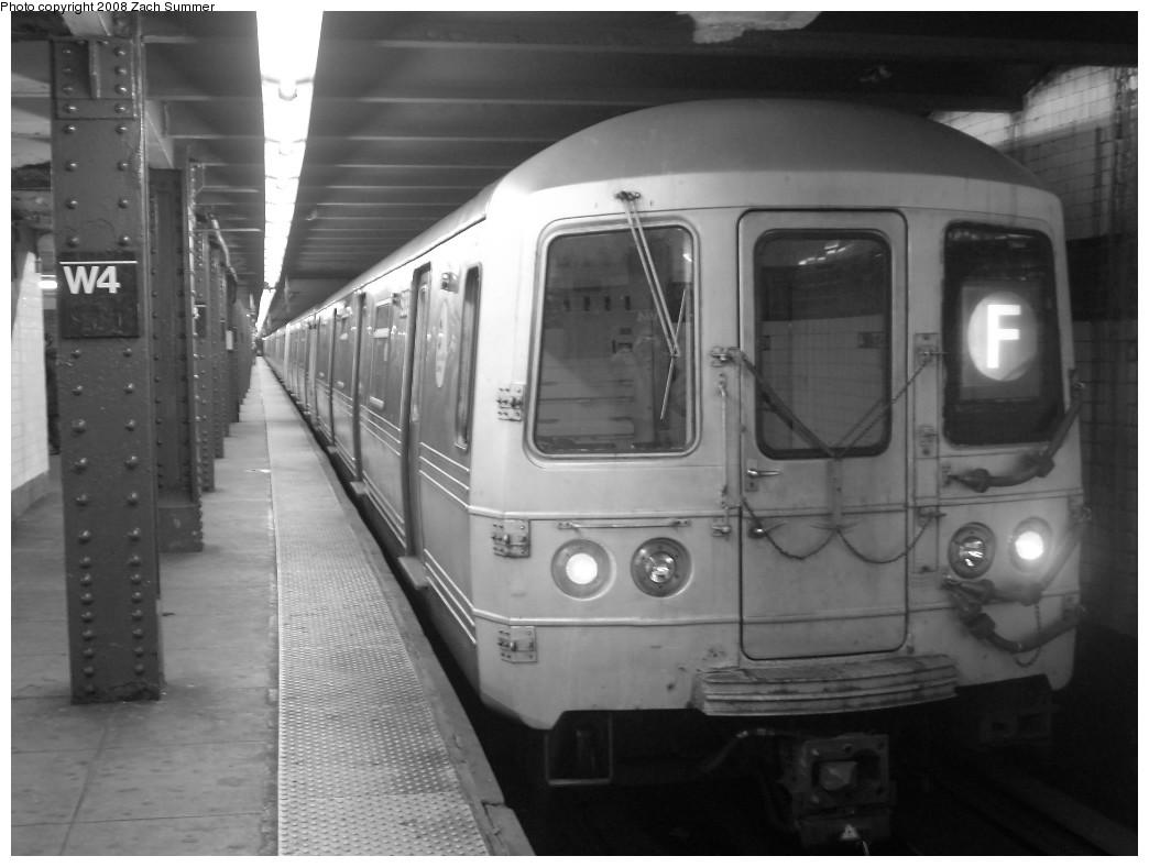 (180k, 1044x788)<br><b>Country:</b> United States<br><b>City:</b> New York<br><b>System:</b> New York City Transit<br><b>Line:</b> IND 6th Avenue Line<br><b>Location:</b> West 4th Street/Washington Square<br><b>Route:</b> F<br><b>Car:</b> R-46 (Pullman-Standard, 1974-75) 5938 <br><b>Photo by:</b> Zach Summer<br><b>Date:</b> 12/16/2007<br><b>Viewed (this week/total):</b> 3 / 2514