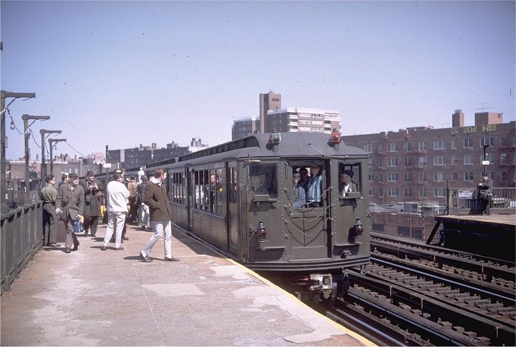 (196k, 1024x690)<br><b>Country:</b> United States<br><b>City:</b> New York<br><b>System:</b> New York City Transit<br><b>Line:</b> IRT Woodlawn Line<br><b>Location:</b> Bedford Park Boulevard<br><b>Route:</b> Fan Trip<br><b>Car:</b> Low-V (Museum Train) 5290 <br><b>Photo by:</b> Doug Grotjahn<br><b>Collection of:</b> Joe Testagrose<br><b>Date:</b> 4/6/1968<br><b>Viewed (this week/total):</b> 0 / 4060