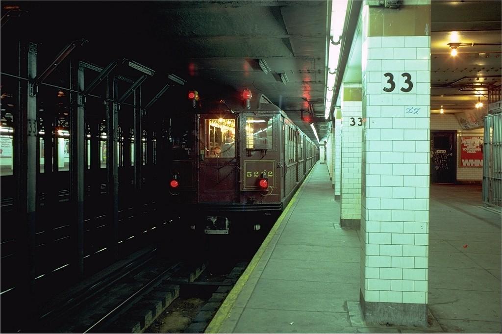 (168k, 1024x681)<br><b>Country:</b> United States<br><b>City:</b> New York<br><b>System:</b> New York City Transit<br><b>Line:</b> IRT East Side Line<br><b>Location:</b> 33rd Street<br><b>Route:</b> Fan Trip<br><b>Car:</b> Low-V (Museum Train) 5292 <br><b>Photo by:</b> Joe Testagrose<br><b>Date:</b> 9/28/1979<br><b>Viewed (this week/total):</b> 0 / 7840