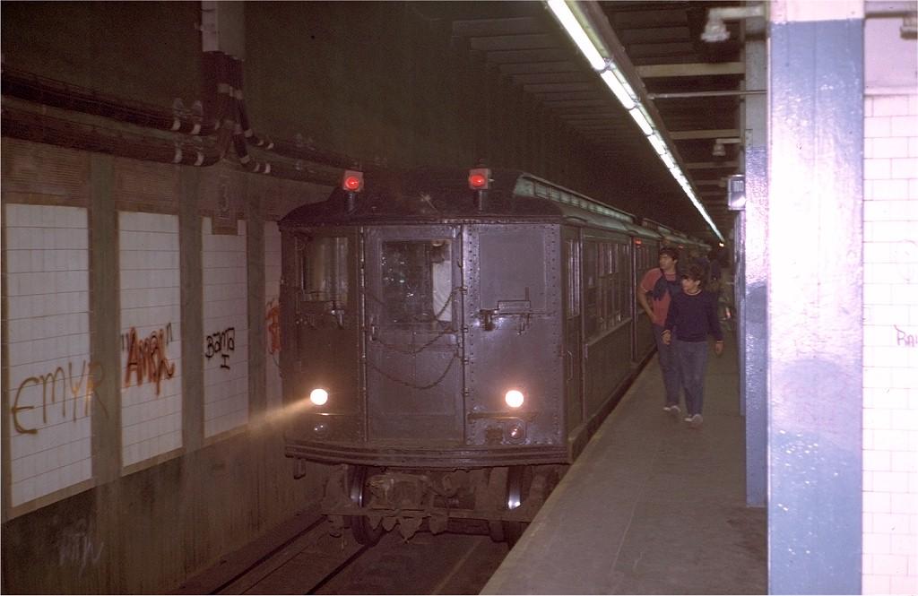 (155k, 1024x665)<br><b>Country:</b> United States<br><b>City:</b> New York<br><b>System:</b> New York City Transit<br><b>Line:</b> IRT Pelham Line<br><b>Location:</b> 3rd Avenue/138th Street<br><b>Route:</b> Fan Trip<br><b>Car:</b> Low-V (Museum Train) 5292 <br><b>Photo by:</b> Steve Zabel<br><b>Collection of:</b> Joe Testagrose<br><b>Date:</b> 8/6/1972<br><b>Viewed (this week/total):</b> 1 / 8512