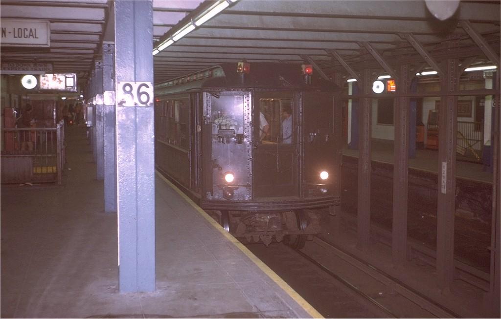 (147k, 1024x653)<br><b>Country:</b> United States<br><b>City:</b> New York<br><b>System:</b> New York City Transit<br><b>Line:</b> IRT East Side Line<br><b>Location:</b> 86th Street<br><b>Route:</b> Fan Trip<br><b>Car:</b> Low-V (Museum Train) 5292 <br><b>Photo by:</b> Steve Zabel<br><b>Collection of:</b> Joe Testagrose<br><b>Date:</b> 8/6/1972<br><b>Viewed (this week/total):</b> 0 / 7365