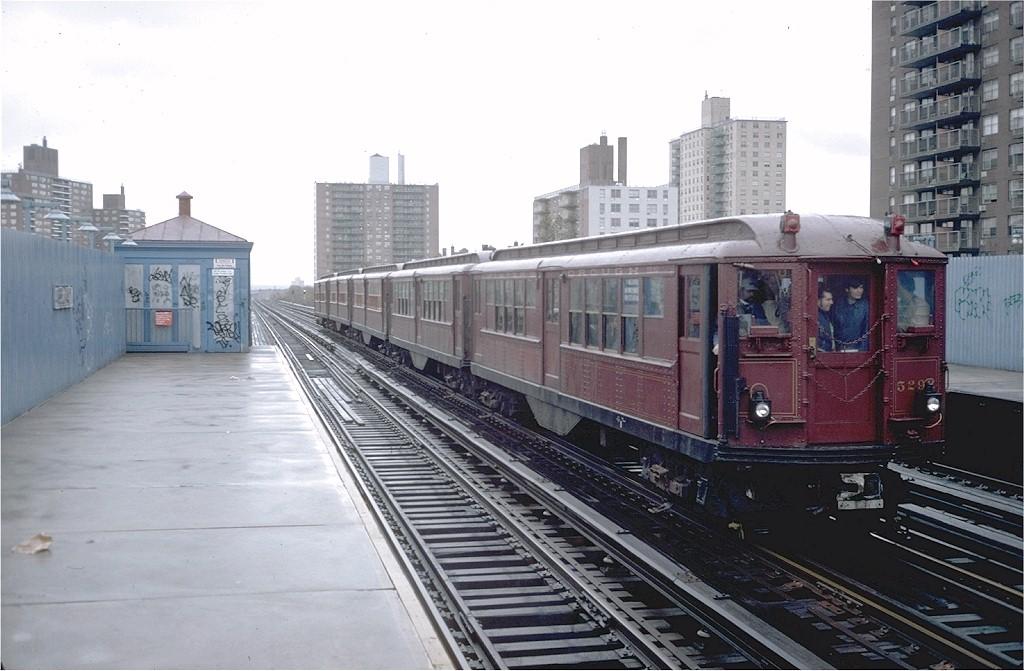 (174k, 1024x671)<br><b>Country:</b> United States<br><b>City:</b> New York<br><b>System:</b> New York City Transit<br><b>Line:</b> IRT White Plains Road Line<br><b>Location:</b> Allerton Avenue<br><b>Route:</b> Fan Trip<br><b>Car:</b> Low-V (Museum Train) 5292 <br><b>Photo by:</b> Steve Zabel<br><b>Collection of:</b> Joe Testagrose<br><b>Date:</b> 11/3/1979<br><b>Viewed (this week/total):</b> 0 / 4970