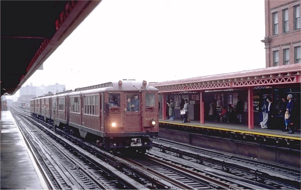 (169k, 1024x648)<br><b>Country:</b> United States<br><b>City:</b> New York<br><b>System:</b> New York City Transit<br><b>Line:</b> IRT White Plains Road Line<br><b>Location:</b> Simpson Street<br><b>Route:</b> Fan Trip<br><b>Car:</b> Low-V (Museum Train) 5292 <br><b>Photo by:</b> Joe Testagrose<br><b>Date:</b> 11/3/1979<br><b>Viewed (this week/total):</b> 0 / 4186