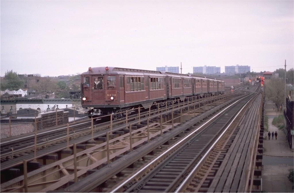 (155k, 1024x671)<br><b>Country:</b> United States<br><b>City:</b> New York<br><b>System:</b> New York City Transit<br><b>Line:</b> IRT Brooklyn Line<br><b>Location:</b> Van Siclen Avenue<br><b>Route:</b> Fan Trip<br><b>Car:</b> Low-V (Museum Train) 5292 <br><b>Photo by:</b> Aron Eisenpress<br><b>Collection of:</b> Joe Testagrose<br><b>Date:</b> 11/3/1979<br><b>Viewed (this week/total):</b> 1 / 5495