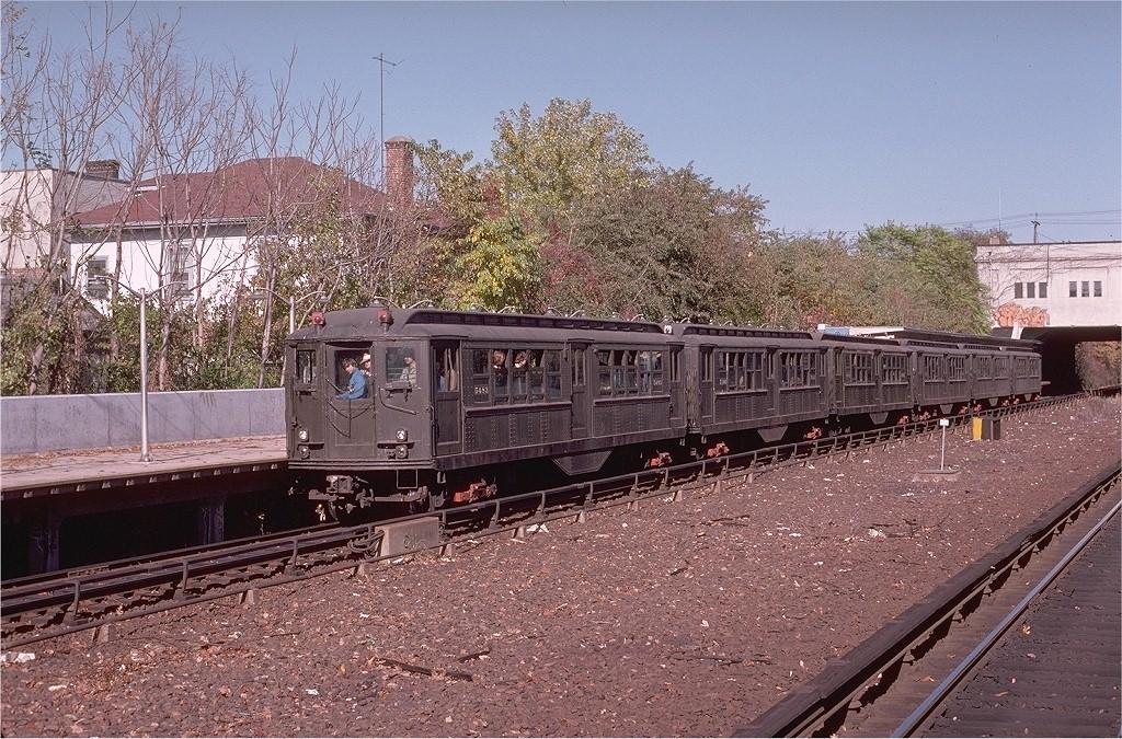 (300k, 1024x675)<br><b>Country:</b> United States<br><b>City:</b> New York<br><b>System:</b> New York City Transit<br><b>Line:</b> IRT Dyre Ave. Line<br><b>Location:</b> Gun Hill Road<br><b>Route:</b> Fan Trip<br><b>Car:</b> Low-V (Museum Train) 5483 <br><b>Photo by:</b> Joe Testagrose<br><b>Date:</b> 10/27/1974<br><b>Viewed (this week/total):</b> 0 / 3530