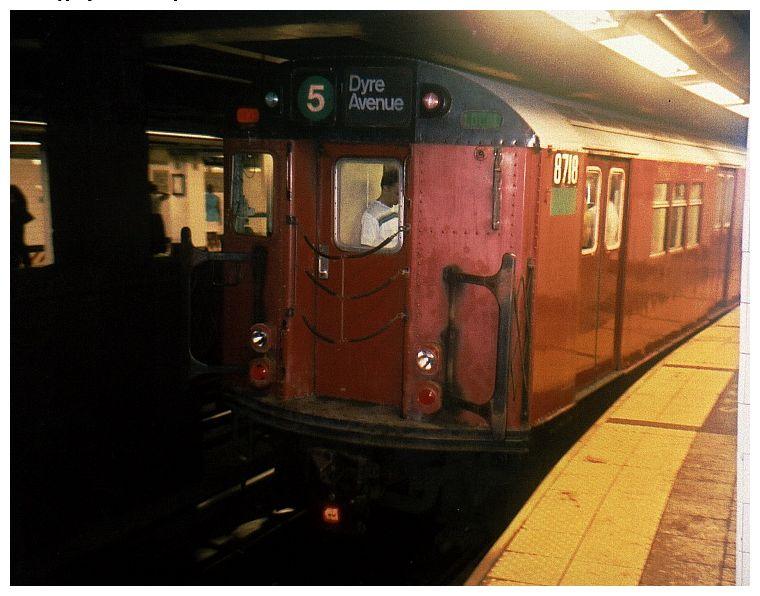 (69k, 760x596)<br><b>Country:</b> United States<br><b>City:</b> New York<br><b>System:</b> New York City Transit<br><b>Line:</b> IRT East Side Line<br><b>Location:</b> Grand Central<br><b>Route:</b> 5<br><b>Car:</b> R-29 (St. Louis, 1962) 8718 <br><b>Photo by:</b> Gary Chatterton<br><b>Date:</b> 10/2002<br><b>Viewed (this week/total):</b> 0 / 6980