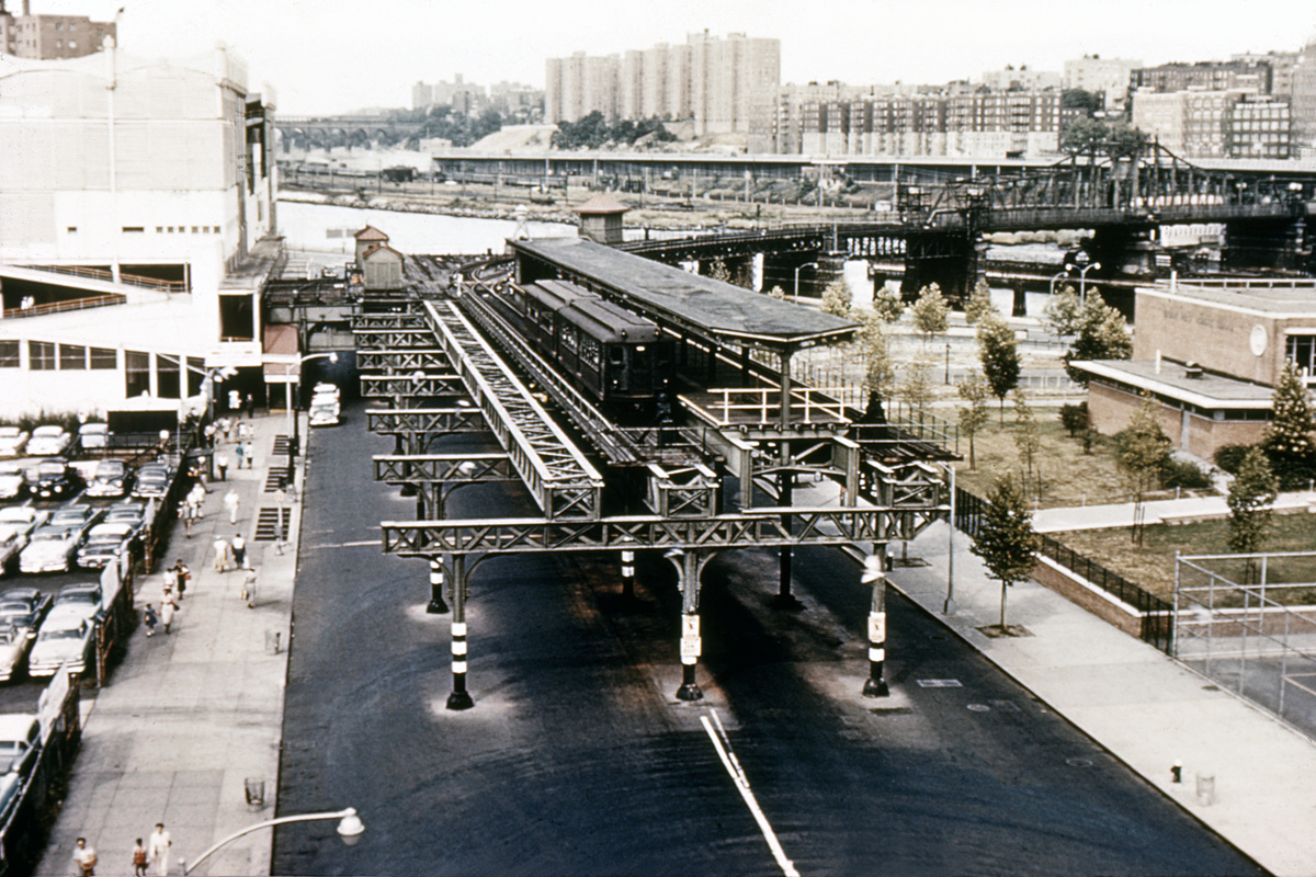 (523k, 1200x800)<br><b>Country:</b> United States<br><b>City:</b> New York<br><b>System:</b> New York City Transit<br><b>Line:</b> 9th Avenue El<br><b>Location:</b> 155th Street<br><b>Car:</b> Low-V  <br><b>Collection of:</b> David Pirmann<br><b>Notes:</b> Polo Grounds Shuttle<br><b>Viewed (this week/total):</b> 0 / 17189