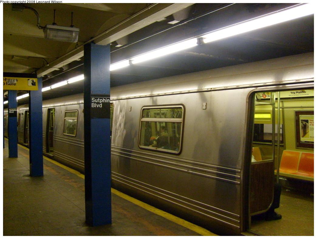 (259k, 1044x788)<br><b>Country:</b> United States<br><b>City:</b> New York<br><b>System:</b> New York City Transit<br><b>Line:</b> IND Queens Boulevard Line<br><b>Location:</b> Sutphin Boulevard<br><b>Route:</b> F<br><b>Car:</b> R-46 (Pullman-Standard, 1974-75) 5654 <br><b>Photo by:</b> Leonard Wilson<br><b>Date:</b> 1/23/2008<br><b>Viewed (this week/total):</b> 2 / 4577