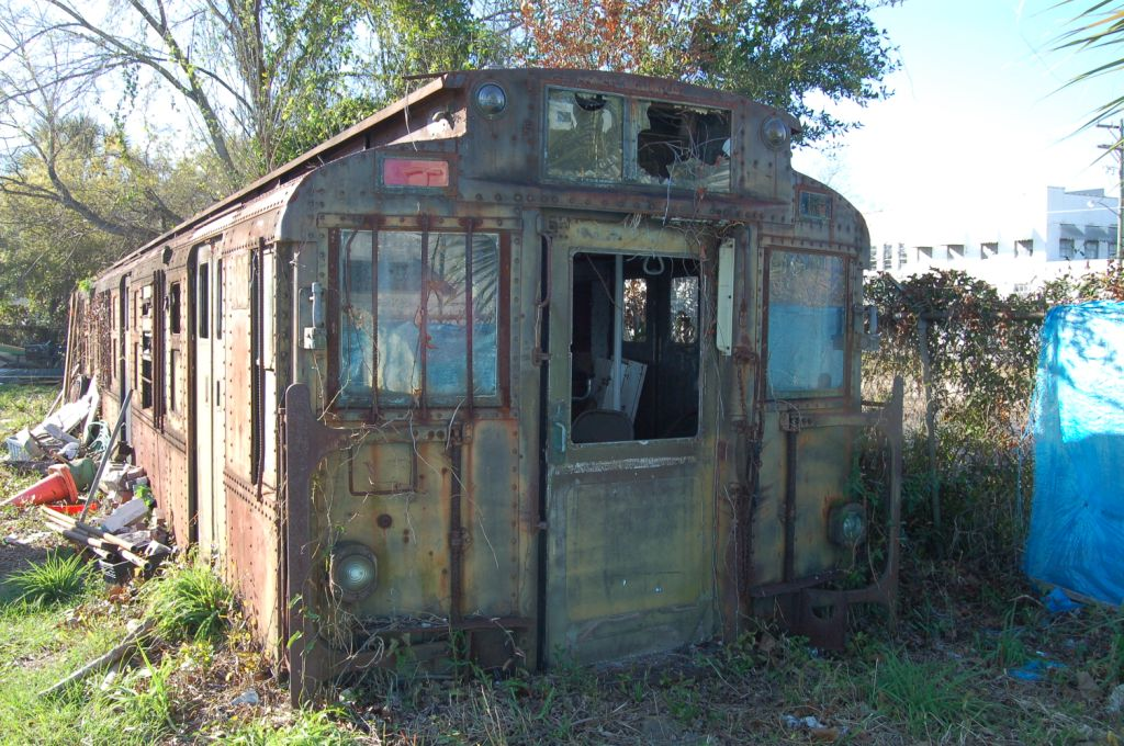 (178k, 1024x680)<br><b>Country:</b> United States<br><b>System:</b> New York City Transit<br><b>Location:</b> Private Property, Jacksonville, FL<br><b>Car:</b> R-6-3 (American Car & Foundry, 1935) 983 <br><b>Photo by:</b> Daniel Herbin/www.metrojacksonville.com<br><b>Date:</b> 2/24/2008<br><b>Notes:</b> Carbody of R6-3 983 recently rediscovered on private property in Jacksonville, FL.<br><b>Viewed (this week/total):</b> 10 / 7133