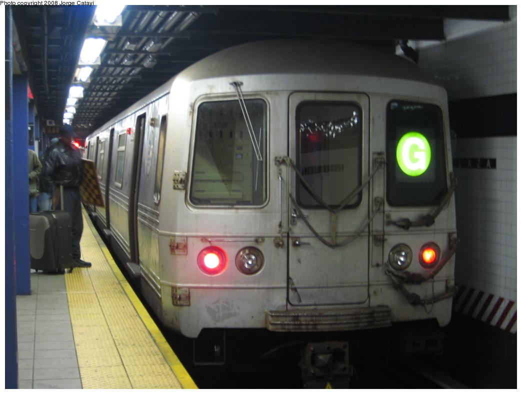 (161k, 1044x788)<br><b>Country:</b> United States<br><b>City:</b> New York<br><b>System:</b> New York City Transit<br><b>Line:</b> IND Queens Boulevard Line<br><b>Location:</b> Queens Plaza<br><b>Route:</b> G<br><b>Car:</b> R-46 (Pullman-Standard, 1974-75) 6024 <br><b>Photo by:</b> Jorge Catayi<br><b>Date:</b> 12/2/2007<br><b>Viewed (this week/total):</b> 4 / 1709