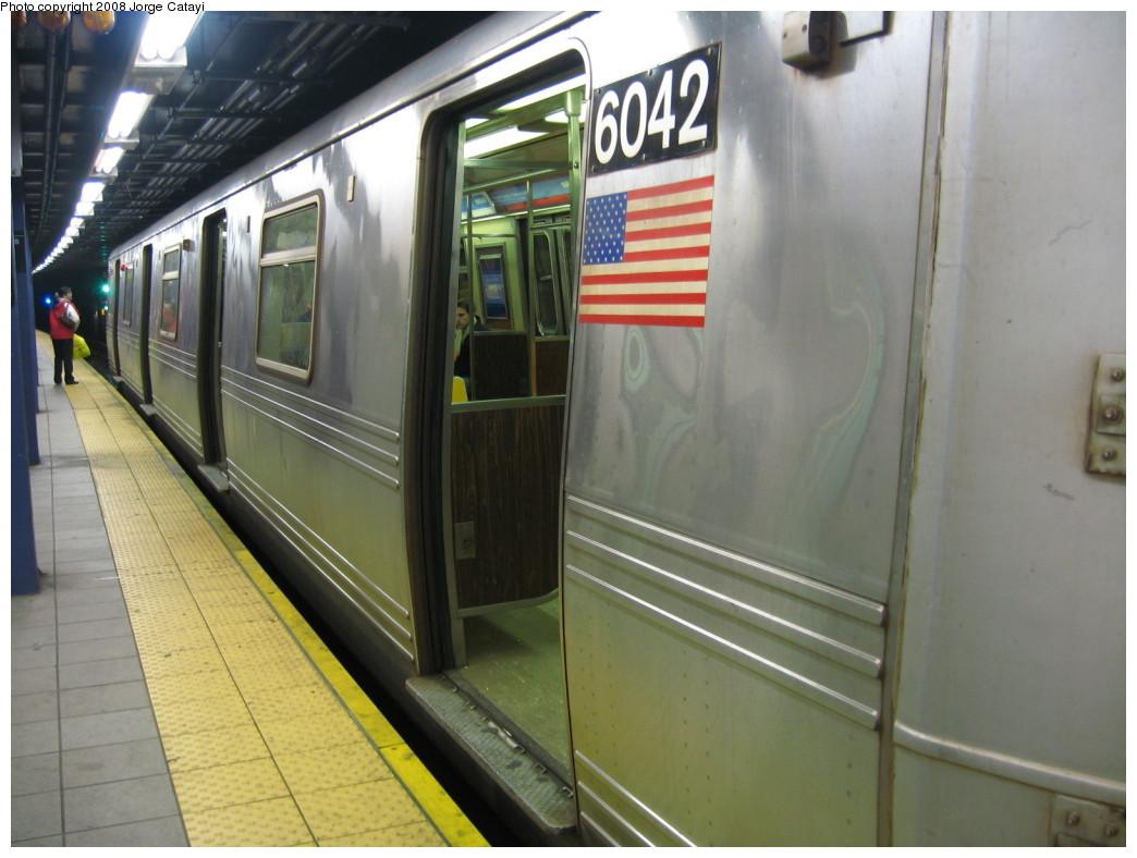 (185k, 1044x788)<br><b>Country:</b> United States<br><b>City:</b> New York<br><b>System:</b> New York City Transit<br><b>Line:</b> IND Queens Boulevard Line<br><b>Location:</b> Queens Plaza<br><b>Car:</b> R-46 (Pullman-Standard, 1974-75) 6042 <br><b>Photo by:</b> Jorge Catayi<br><b>Date:</b> 12/2/2007<br><b>Viewed (this week/total):</b> 1 / 1765