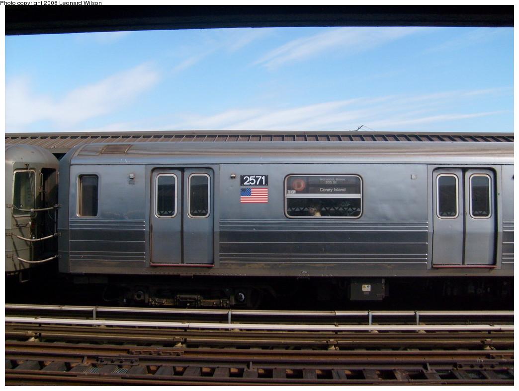 (213k, 1044x788)<br><b>Country:</b> United States<br><b>City:</b> New York<br><b>System:</b> New York City Transit<br><b>Line:</b> BMT West End Line<br><b>Location:</b> 71st Street<br><b>Route:</b> D<br><b>Car:</b> R-68 (Westinghouse-Amrail, 1986-1988) 2571 <br><b>Photo by:</b> Leonard Wilson<br><b>Date:</b> 3/22/2008<br><b>Viewed (this week/total):</b> 3 / 2462