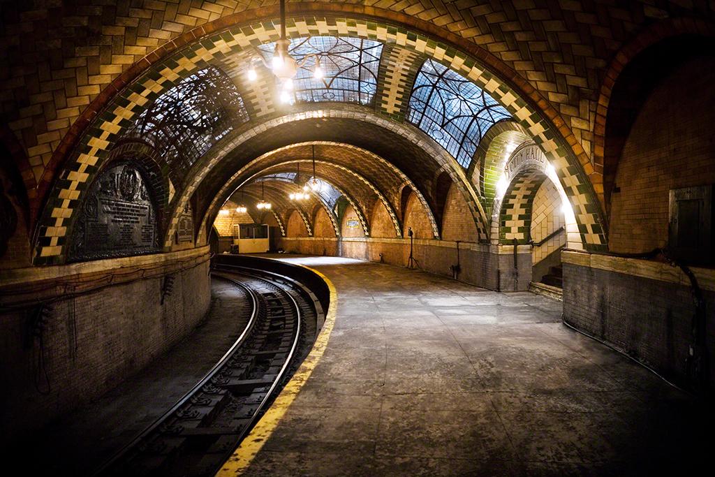 (928k, 1024x683)<br><b>Country:</b> United States<br><b>City:</b> New York<br><b>System:</b> New York City Transit<br><b>Line:</b> IRT East Side Line<br><b>Location:</b> City Hall<br><b>Photo by:</b> John-Paul Palescandolo<br><b>Date:</b> 3/15/2008<br><b>Viewed (this week/total):</b> 4 / 40132