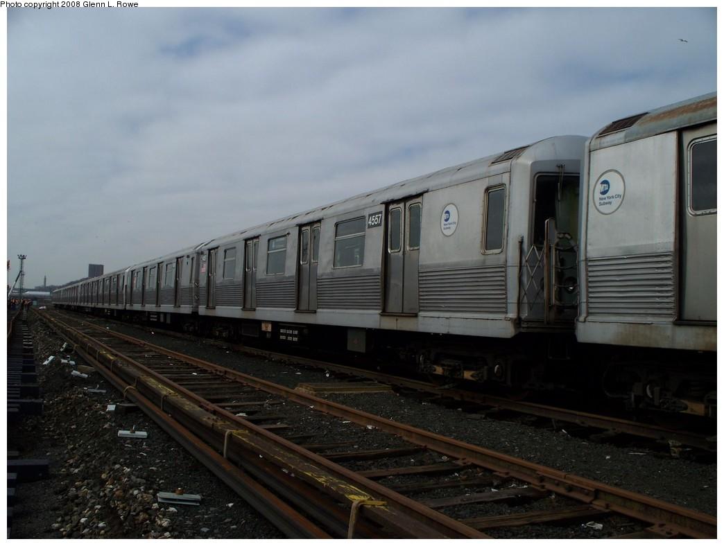 (168k, 1044x788)<br><b>Country:</b> United States<br><b>City:</b> New York<br><b>System:</b> New York City Transit<br><b>Location:</b> 207th Street Yard<br><b>Car:</b> R-42 (St. Louis, 1969-1970) 4557 <br><b>Photo by:</b> Glenn L. Rowe<br><b>Date:</b> 4/8/2008<br><b>Viewed (this week/total):</b> 1 / 1638