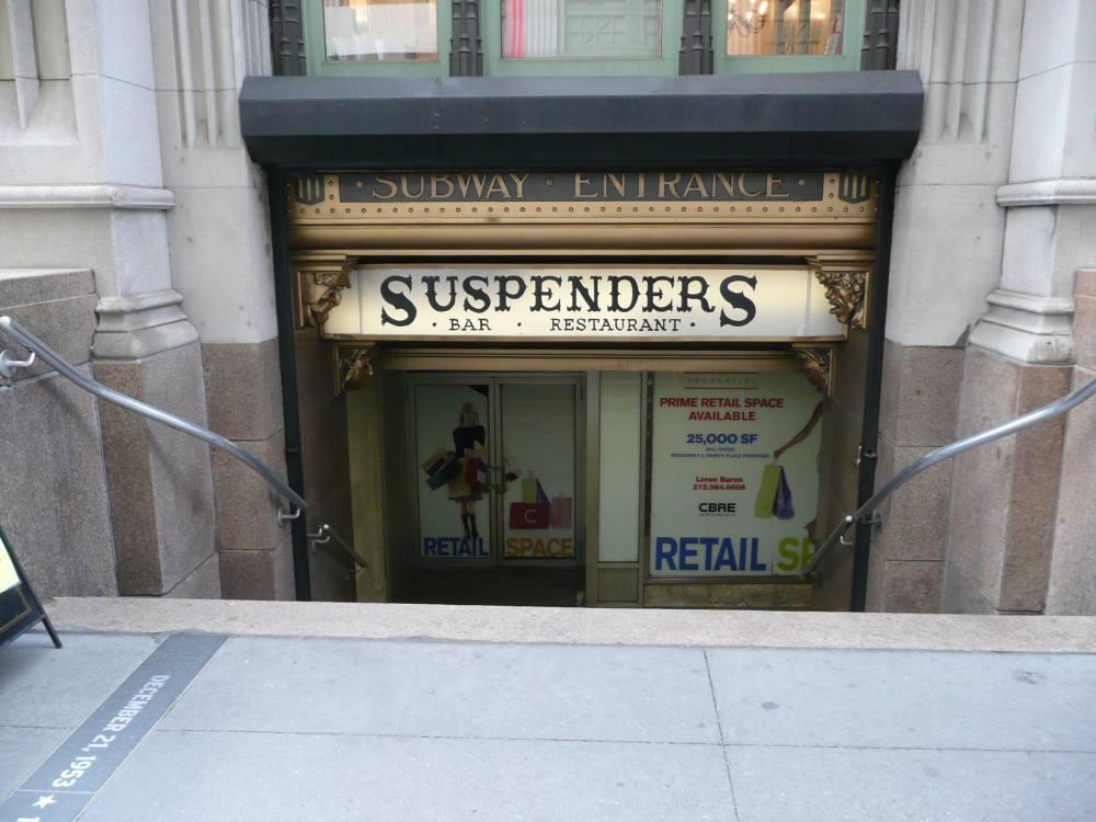 (110k, 1000x750)<br><b>Country:</b> United States<br><b>City:</b> New York<br><b>System:</b> New York City Transit<br><b>Line:</b> IRT East Side Line<br><b>Location:</b> Wall Street<br><b>Photo by:</b> Robbie Rosenfeld<br><b>Date:</b> 5/5/2008<br><b>Notes:</b> Station entrance with restaurant in passageway.<br><b>Viewed (this week/total):</b> 1 / 3474