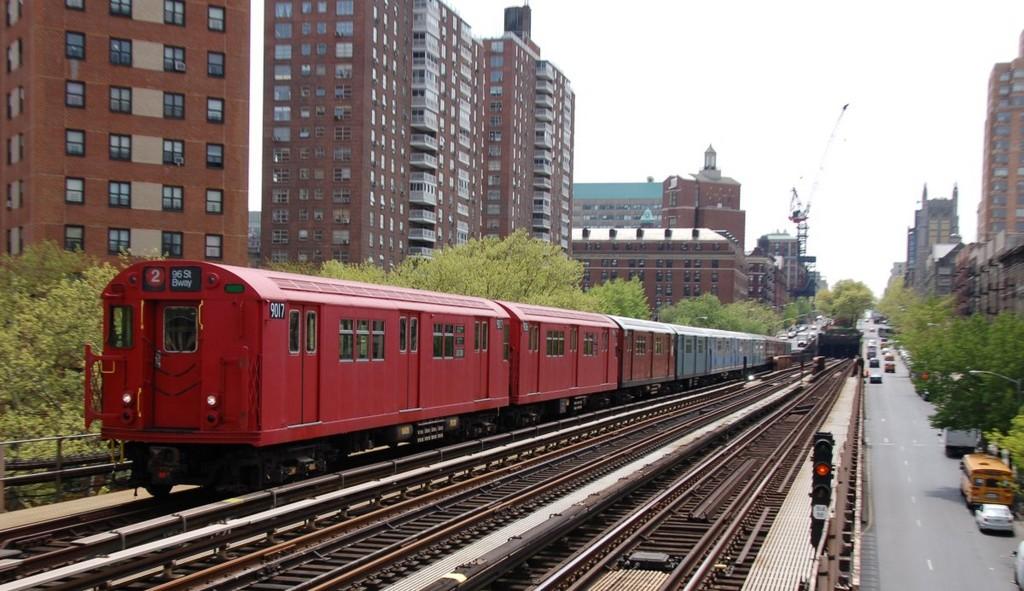 (239k, 1024x591)<br><b>Country:</b> United States<br><b>City:</b> New York<br><b>System:</b> New York City Transit<br><b>Line:</b> IRT West Side Line<br><b>Location:</b> 125th Street<br><b>Route:</b> Museum Train Service<br><b>Car:</b> R-33 Main Line (St. Louis, 1962-63) 9017 <br><b>Photo by:</b> Brian Weinberg<br><b>Date:</b> 5/1/2008<br><b>Notes:</b> 100th Anniversary of Brooklyn subway service museum train service.<br><b>Viewed (this week/total):</b> 1 / 2652