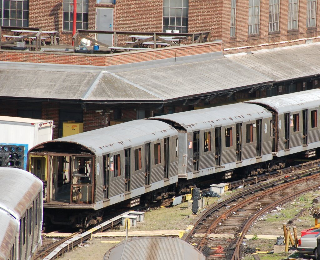 (288k, 1024x831)<br><b>Country:</b> United States<br><b>City:</b> New York<br><b>System:</b> New York City Transit<br><b>Location:</b> 207th Street Yard<br><b>Car:</b> R-42 (St. Louis, 1969-1970) 4909/4908 <br><b>Photo by:</b> Brian Weinberg<br><b>Date:</b> 5/4/2008<br><b>Viewed (this week/total):</b> 2 / 1432