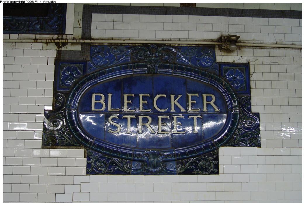 (209k, 1044x705)<br><b>Country:</b> United States<br><b>City:</b> New York<br><b>System:</b> New York City Transit<br><b>Line:</b> IRT East Side Line<br><b>Location:</b> Bleecker Street<br><b>Photo by:</b> Filip Matuska<br><b>Date:</b> 6/13/2007<br><b>Viewed (this week/total):</b> 0 / 4036
