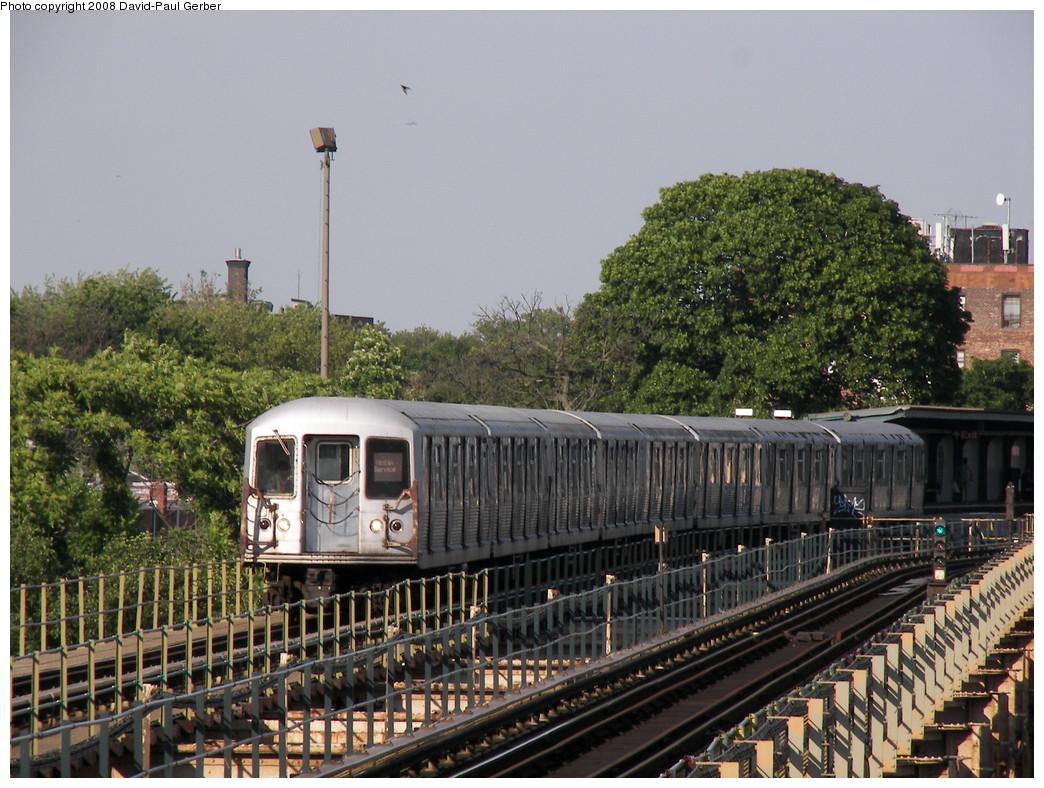(316k, 1044x788)<br><b>Country:</b> United States<br><b>City:</b> New York<br><b>System:</b> New York City Transit<br><b>Line:</b> BMT Nassau Street-Jamaica Line<br><b>Location:</b> Cypress Hills<br><b>Car:</b> R-42 (St. Louis, 1969-1970)  <br><b>Photo by:</b> David-Paul Gerber<br><b>Date:</b> 6/11/2008<br><b>Viewed (this week/total):</b> 2 / 2131