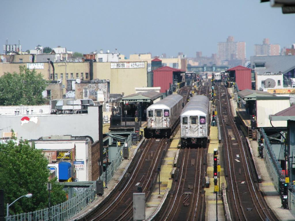 (256k, 1024x768)<br><b>Country:</b> United States<br><b>City:</b> New York<br><b>System:</b> New York City Transit<br><b>Line:</b> IRT Flushing Line<br><b>Location:</b> 61st Street/Woodside<br><b>Route:</b> 7<br><b>Car:</b> R-62A (Bombardier, 1984-1987) 1715 <br><b>Photo by:</b> Andrew Johnson<br><b>Date:</b> 6/30/2008<br><b>Viewed (this week/total):</b> 2 / 3194